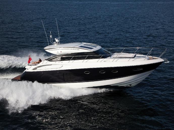 le-princess-v57-par-princess-yachts-1.jpg